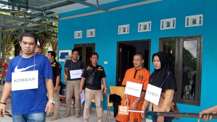 Reka Ulang Duel Maut Berebut Janda di Desa Sempan Peragakan 11 Adegan