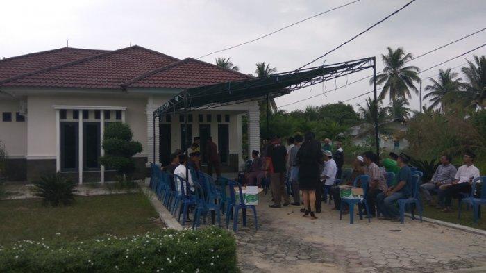 Jenazah Dr Ryan Thamrin Belum Tiba, Begini Suasana Duka di Kediaman Almarhum di Pekanbaru