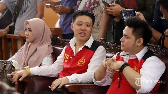 Deretan Fakta Sidang Perdana Trio Ikan Asin, Didakwa 3 Pasal Hingga Galih Jadi Bahan Candaan Hakim