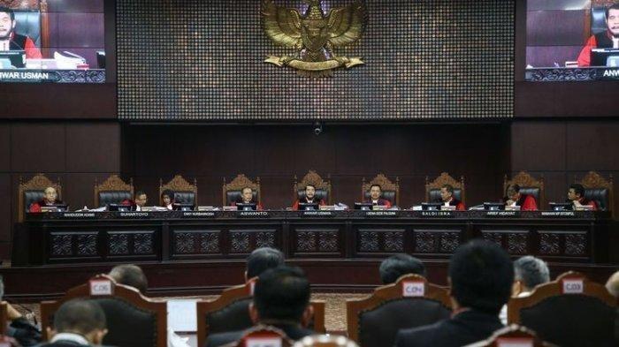 Inilah Rangkuman Lengkap 11 Dalil dalam Gugatan Pengacara Prabowo-Sandiaga yang Ditolak MK