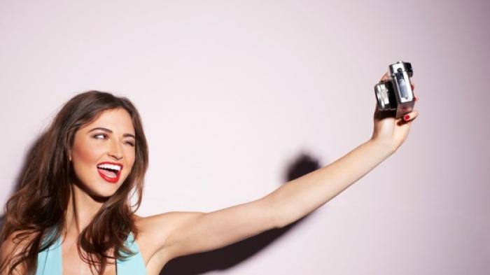 Konyol, Nekat Selfie di Lantai 10 Gedung Apartemen, Siswi Ini Terjatuh dan Koma