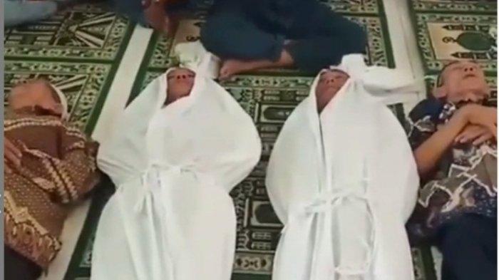 Dua Keluarga Lakukan Sumpah Pocong di Masjid Gara-gara Sengketa Tanah, Videonya Viral