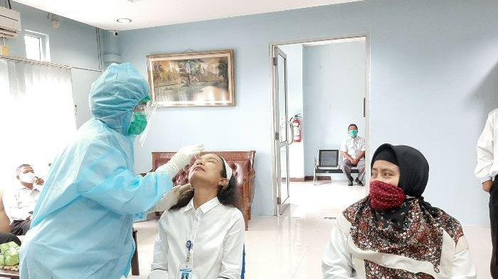 Cegah Penularan Virus Covid-19 , Kanwil DJPB Bangka Belitung Gelar Pemeriksaan Swab Massal