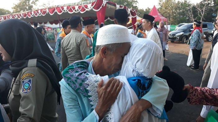 Haru Keluarga Lepas Keberangkatan Jemaah Haji Bangka Belitung