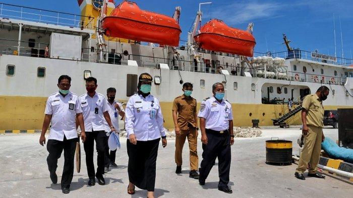 BNNK Bangka Sidak Kapal Penumpang di Tanjung Gudang, Curigai Barang Kardus