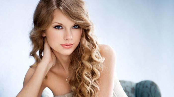 Taylor Swift, Penyanyi Penuh Talenta Kini Kejutkan Penggemar dengan Luncurkan Album Baru