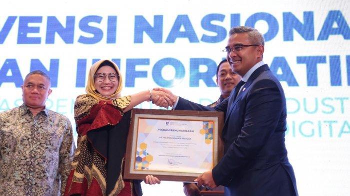 Telkomsel Terima Penghargaan Penyelenggara Telekomunikasi dengan Jaringan Terluas