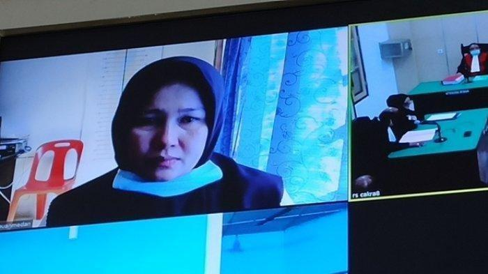 Zuraida Hanum Pelaku Pembunuhan Hakim PN Medan Menangis Memohon Dihukum Ringan