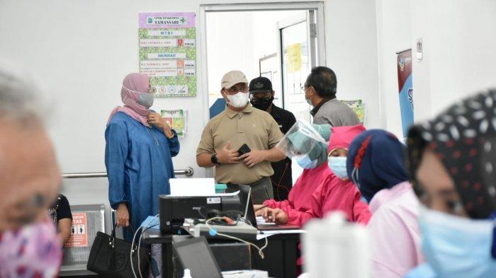 Gubernur Erzaldi Pantau Vaksinasi Covid-19 Bagi Lansia