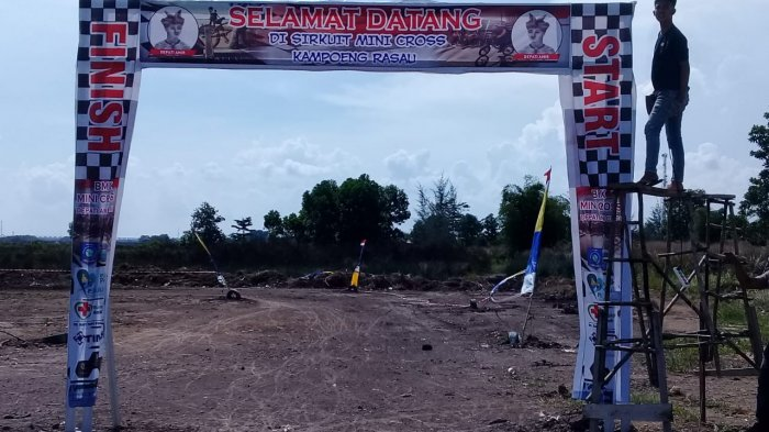 Tim Kampanye Pahlawan Nasional Depati Amir Gelar Balap Sepeda BMX Mini Cross