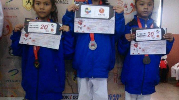 Tim Karate Babel Rebut Juara Ketiga Kata Beregu Putri di Kejurnas Inkai - tim-karate-babel-rebut-juara-ketiga-kata-beregu-putri-di-kejurnas-inkai_20170312_101835.jpg