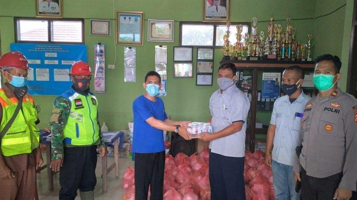 Ikut Cegah Covid-19 di Desa Bencah dan Delas, PT Timah Salurkan Suplemen Kesehatan untuk Masyarakat - timmh18.jpg