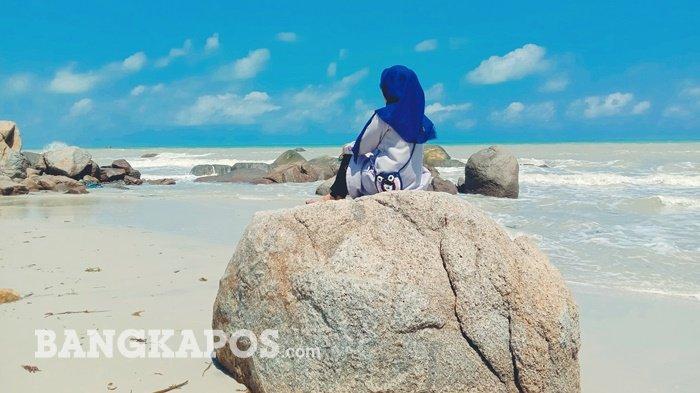 Destinasi wisata Pantai Tanjung Berikat, Desa Batu Beriga, Kecamatan Lubuk Besar, Kabupaten Bangka Tengah pada Jumat (22/1/2021)