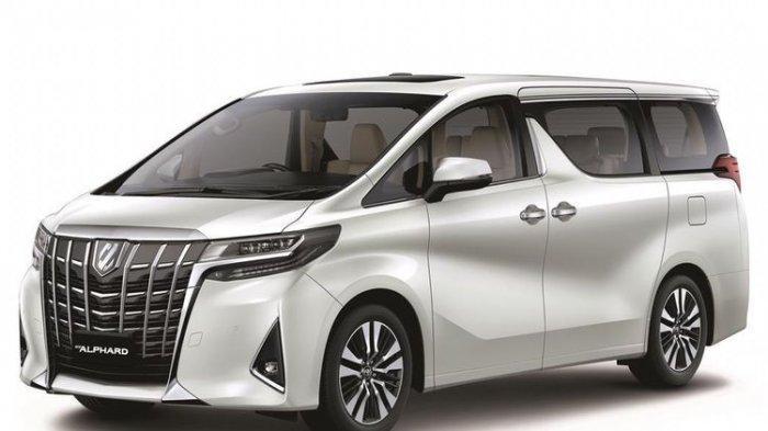 Punya Dana Rp500 Juta Lebih Baik Pilih Toyota Voxy Baru atau Alphard Bekas