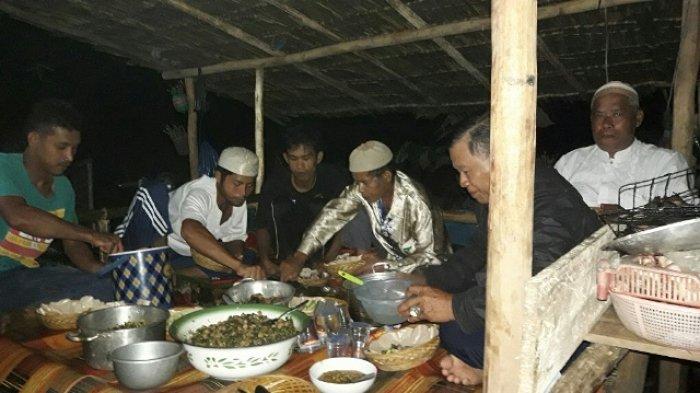 Usai Panen Padi, Petani di Kelapa Gelar Tradisi 'Bukek Buk Bare'