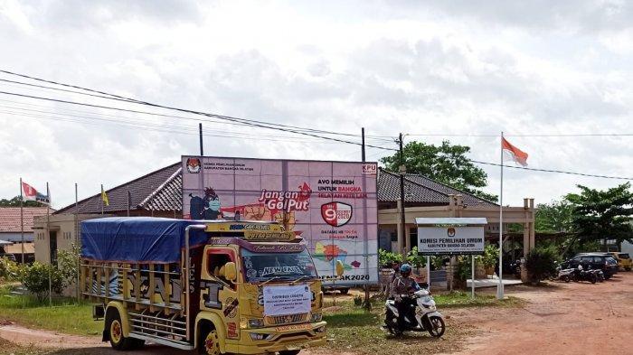 10 Truk Bawa Logistik Pilkada Bangka Selatan ke Enam Kecamatan - truk-distribusi-logistik-pilkada-basel.jpg