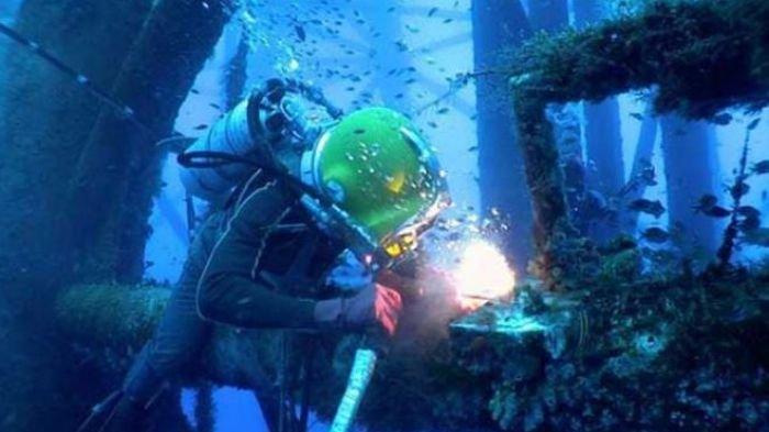 Tukang Las Bawah Air Digaji Rp 21 Juta Per Hari Simak 7 Fakta Tentang Pekerjaan Berisiko Tinggi Ini Bangka Pos