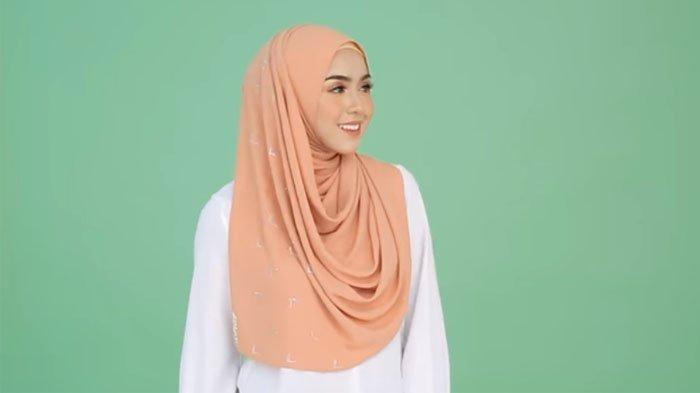 Jokowi 'Marah', Ini Cara Licik Asing Bajak Produk Hijab Indonesia Lalu Dijual Cuma Seharga Rp1.900