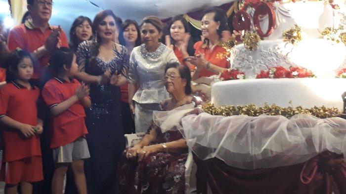 Usia 90 Tahun Dipercaya Keluarga Lim Ngit Sa Punya Keberuntungan