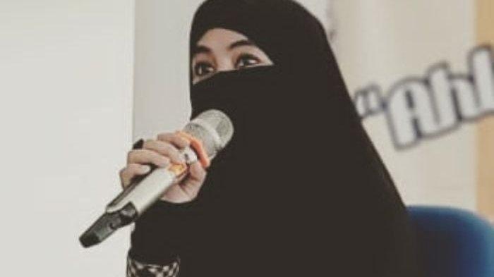 Terungkap Sosok Artis Ternyata Jadi Istri Ketiga Ustaz Jefri Al Buchori, Umi Pipik Akhirnya Bicara