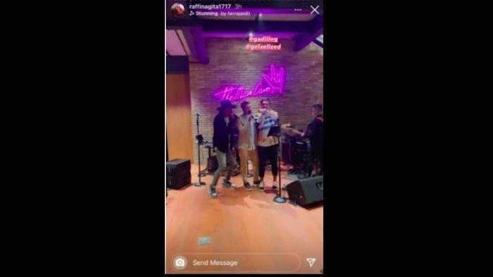 Unggahan Instagram Story Raffi Ahmad pada Kamis (13/1/2021) terlihat sedang D acara bersama Gading Marten dan pembalap Sean Gelael.
