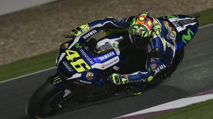 Rossi Raih Pole Position di Kandang Lorenzo, Mengapa Dia Kurang Pede
