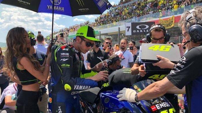 Live Streaming MotoGP - Valentino Rossi Curhat Motor Yamahanya Beda dengan Vinales dan Quartararo