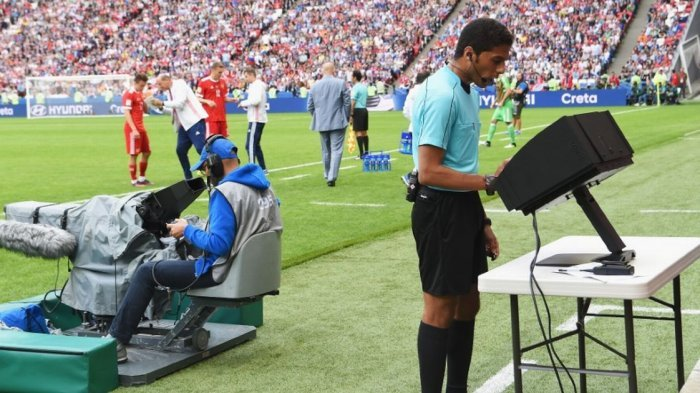 Baru Digunakan di Piala Dunia 2018, Ini Teknologi VAR yang Meminimalisir Kesalahan Wasit