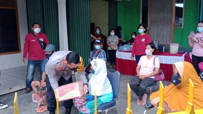 Polisi Berikan Bantuan ke Posko GPS Babel, Peduli Masyarakat Terdampak Pandemi Covid-19