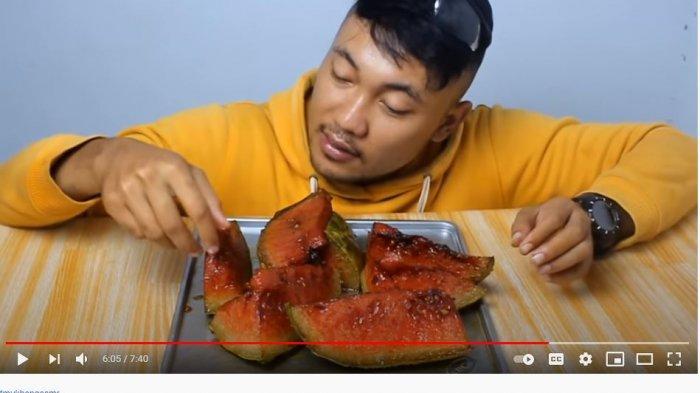 Begini Rasanya Jika Semangka Digoreng, Apakah Bisa Dimakan?