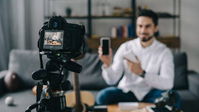 Selain Kuliah 5 jurusan Ini, Ada Lho Kelas Khusus untuk Kamu yang Mau Jadi YouTuber