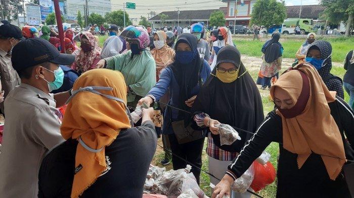 Warga Antusias Serbu Pasar Murah, Harga Gula Lebih Murah Daripada di Pasar