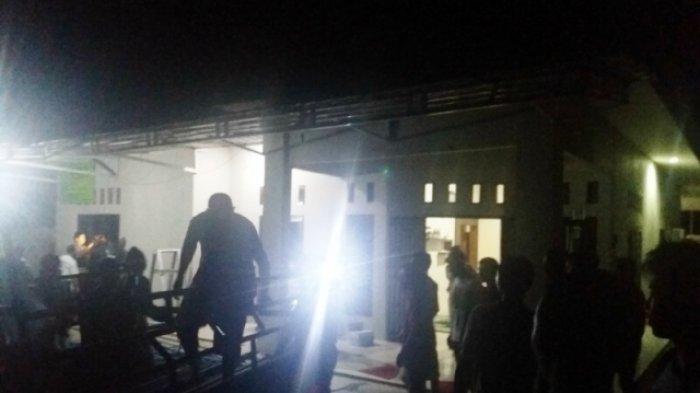 Rumah Restia Amelia  Korban Jatuhnya Pesawat Lion Air Mulai Didatangi Warga