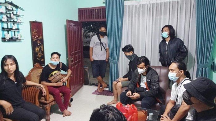 Tiga Waria Pemeran Tiktok di Tugu Nol Kilometer Pangkalpinang Diamankan Polisi, Terancam UU ITE