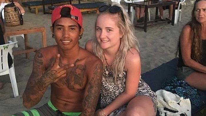 Kisahnya bak Dongeng Romantis, Pelayan Bar Indonesia ini Nikahi Bule Cantik asal Australia di Bali
