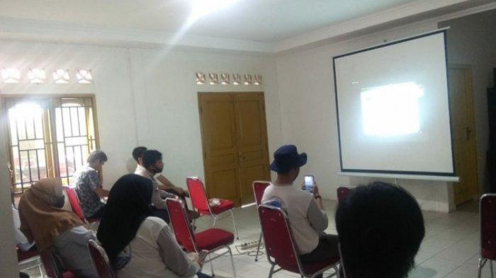 Mahasiswa KKN UBB Desa Deniang Gelar Webinar Nasional Sistem Pengolahan Sampah dan Limbah
