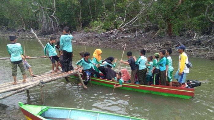 Pelajar Belinyu Antusias Mencoba Ekowisata Rabeng Kecamatan Belinyu