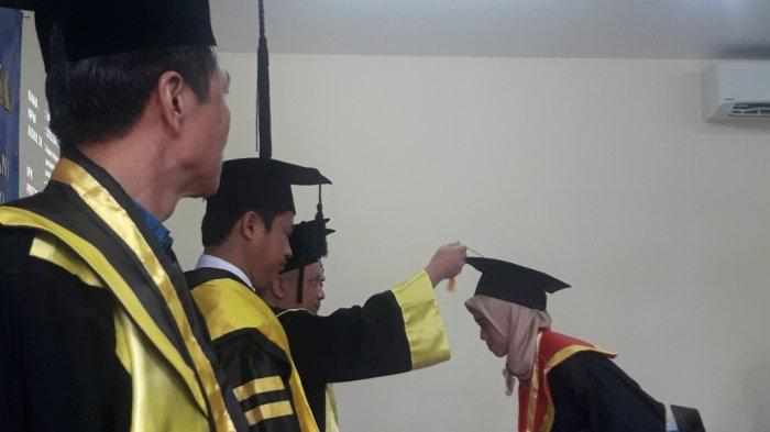 Gelar Wisuda Perdana, AK DBB Lahirkan Ahli Muda Akuntansi