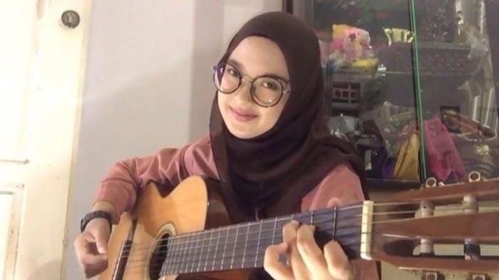 Julida Astari, Miak Bangka Jago Cover Lagu, Raup Puluhan Juta Rupiah di Youtuber