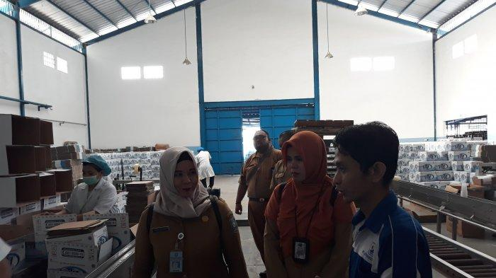 Sidak Pabrik Air Minum Kemasan Viz, Berikut Temuan BPOM