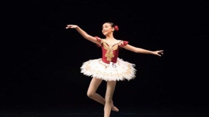 Nazhira Rizka Adzhani saat ikut kompetisi tari balet
