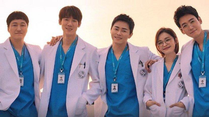 persahabatan-lima-dokter.jpg