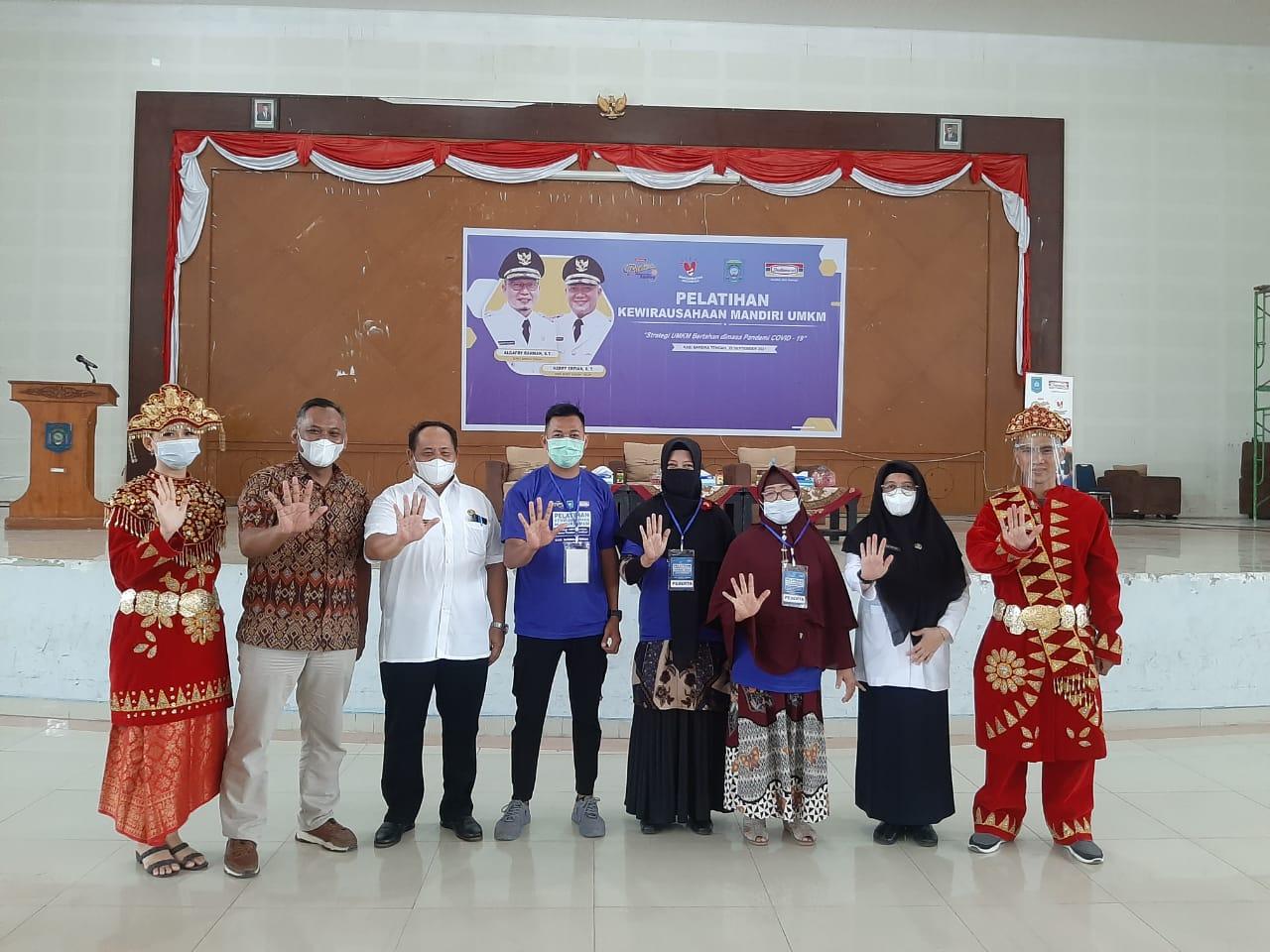 Indomaret bersama Pemkab Bateng saat menggelar pelatihan bagi pelaku UMKM Bangka Tengah yang digelar di Gedung Serbaguna (GSG) Kabupaten Bangka Tengah, Rabu (22/9).