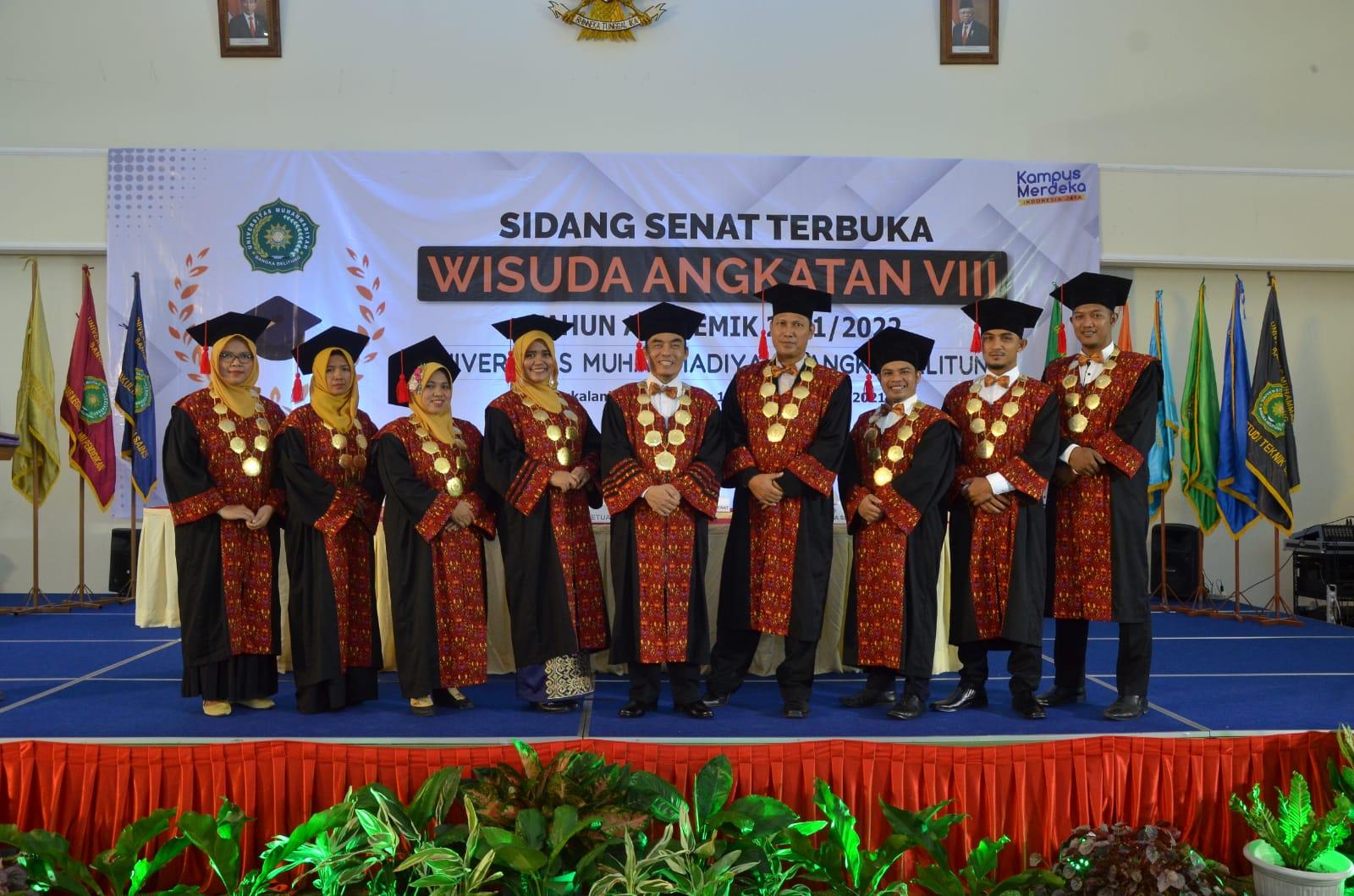 Senat Wisuda Unmuh Angkatan VIII-UNIVERSITAS Muhammadiyah (Unmuh) Bangka Belitung resmi melakukan wisuda kepada 101 mahasiswa di Kampus Unmuh Babel, Kamis (7/10)