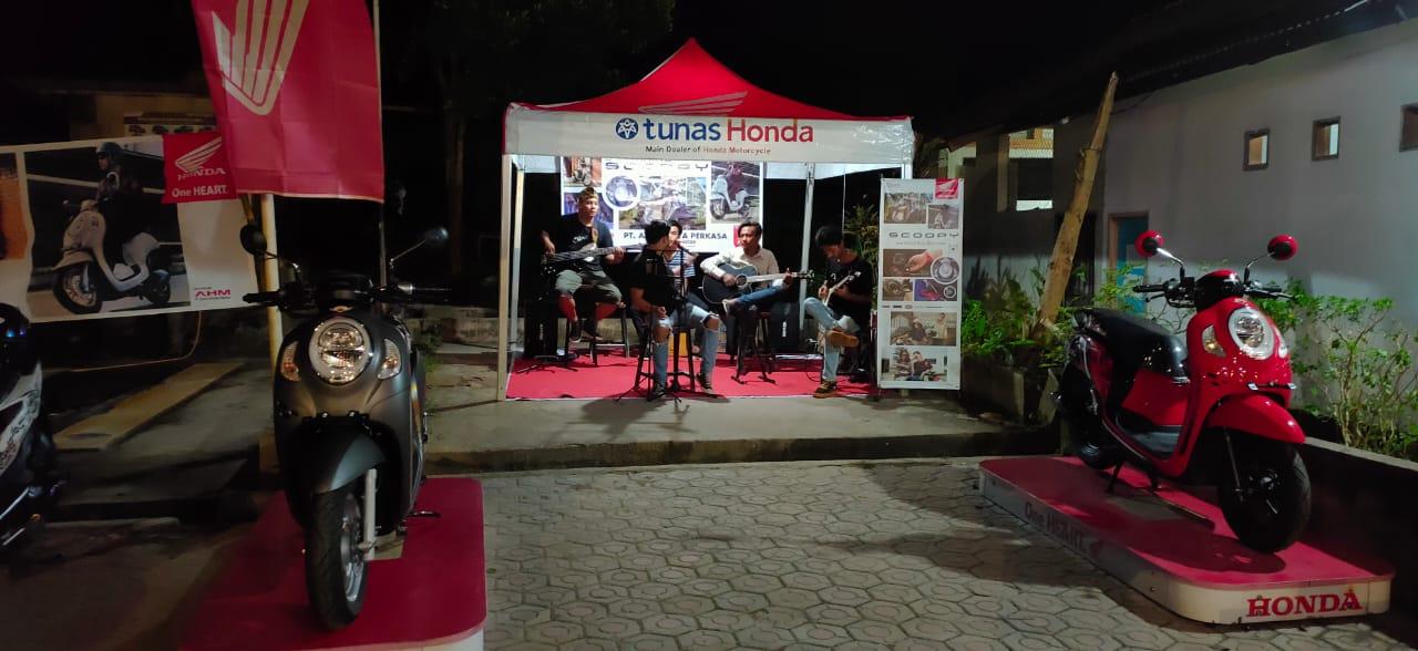 Usai dirilis secara nasional, satu per satu daerah di Indonesia juga kedatangan generasi kelima Honda Scoopy. Kini giliran Muntok yang mengenalkan All New Honda Scoopy