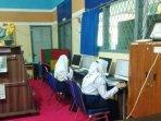 20210415-para-siswa-smpn-1-pangkalpinang-saat-mengikuti-kegiatan-belajar-mengajar-tatap-muka.jpg