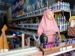 20210618-karyawan-di-agen-parfum-nur-20-saat-ditemui-oleh-bangkaposcom-jumat-1862021.jpg