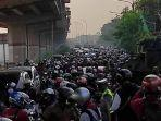 20210705-kepadatan-lalu-lintas-pagi-ini-di-kawasan-jl-raya-kalimalang-jakarta-timur.jpg