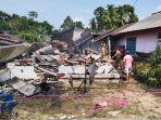 20210706-kondisi-rumah-robiah-yang-terbakar-di-jalan-raya-tanjung-niur-tempilang.jpg