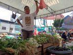 20210707-pedagang-sayur-di-pasar-pagi.jpg